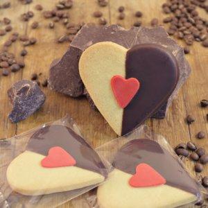 vanilla heart biscuit